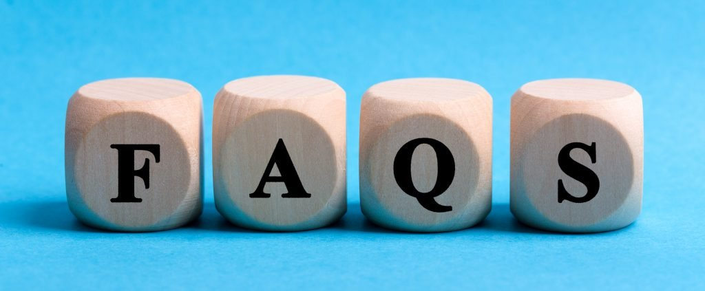4 Wooden Blocks with letters FAQS on